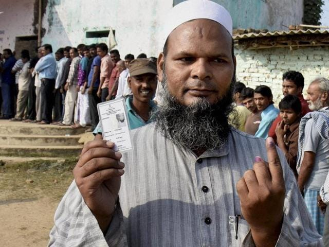 Polling in the fourth phase will take place in seven districts of north and western Bihar – West Champaran, East Champaran, Sitamarhi, Sheohar, Muzaffarpur, Gopalganj and Siwan. West Champaran, East Champaran and Sitamarhi are situated along the India-Nepal border and have a high concentration of Muslims.