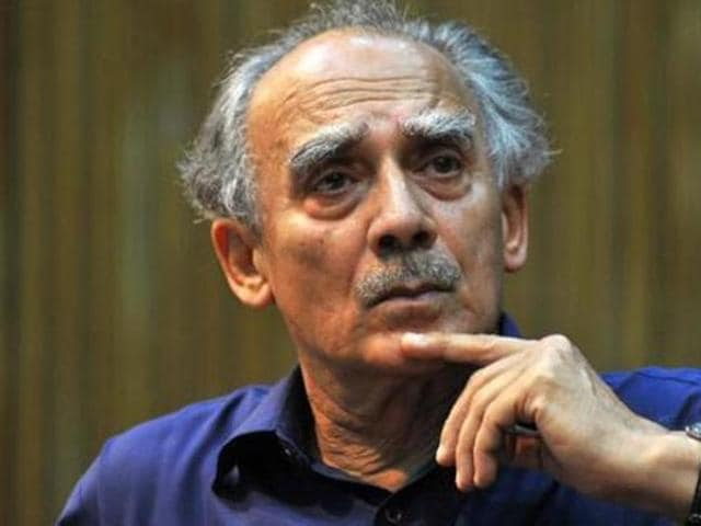 Arun Shourie launched at attack against the Narendra Modi-led government on Monday.
