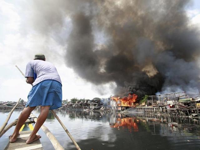 Philippines market fire