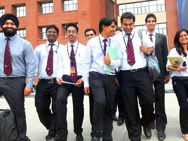 Some  B-schools are organising simulated exercises  on how to crack summer internship interviews.