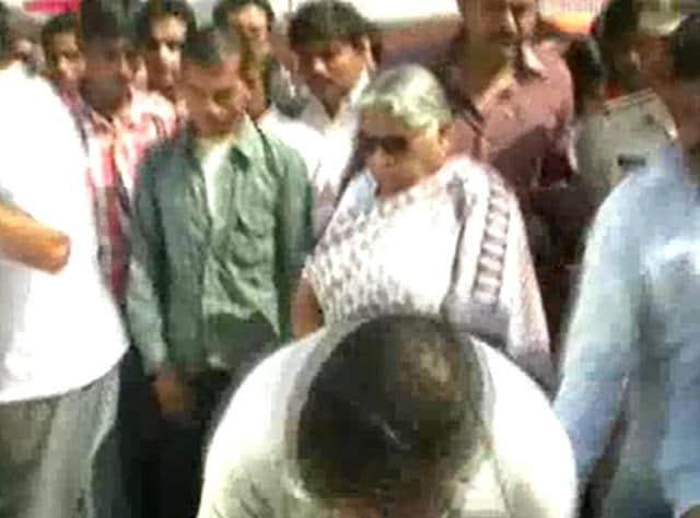 Kusum Mehdele,Madhya Pradesh,Minister kicks minor boy