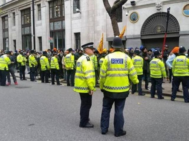 British police had arrested Sikh protesters after the demonstration outside Indian Embassy turned violent.