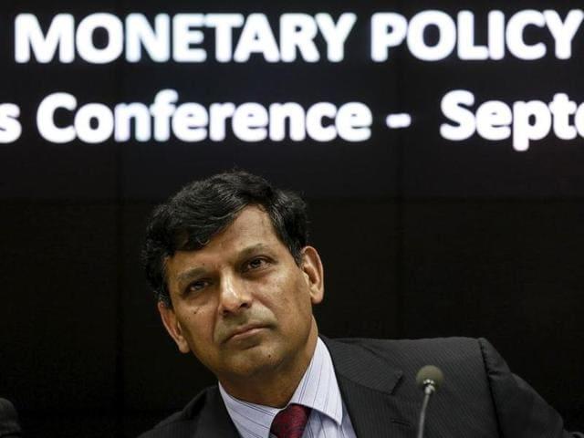 Moody's Analytics,Raghuram Rjaan,narendra Modi
