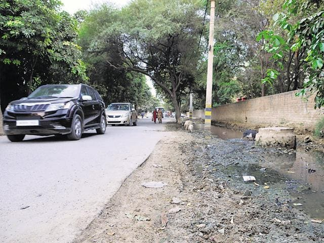 Residents are bearing the brunt of the lack of proper planning of the drainage system in the area.