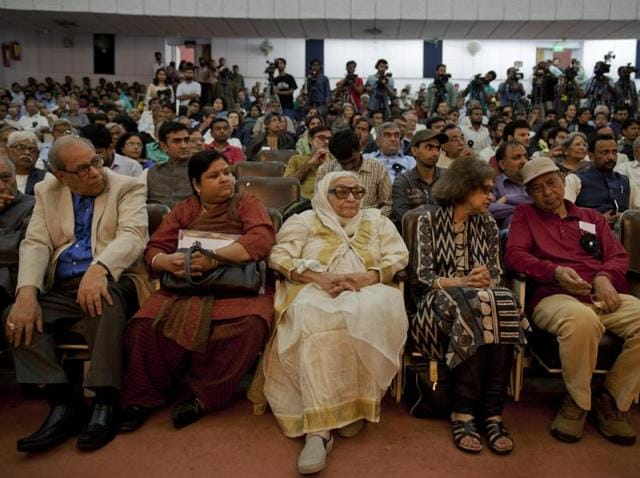 """Participants attend a convention of writers, artists, academicians and conscientious people in New Delhi. In his speech, historian Irfan Habib said, """"...There is not much difference between Islamic state (ISIS)and the RSS as far intellect goes."""""""