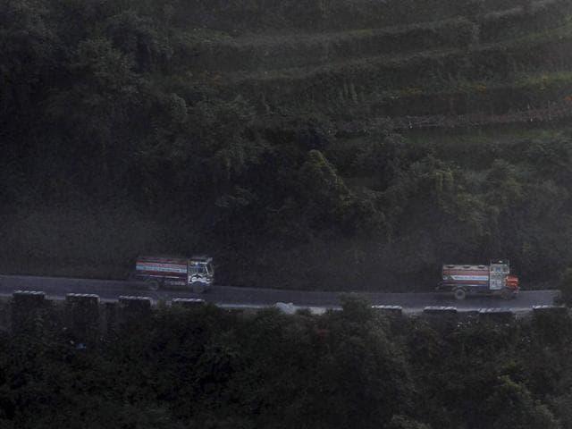 Nepal,Bus crash,Earthquake