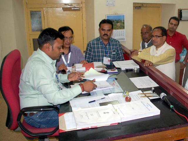 Ratlam-Jhabua by-polls,Kantilal Bhuria,Nirmala Bhuria