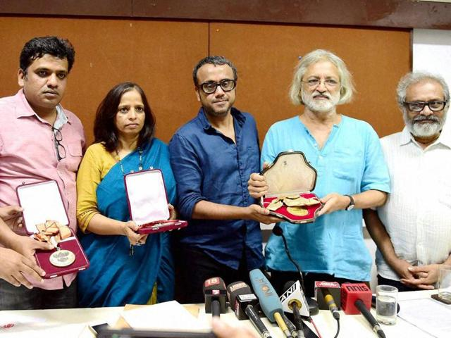 Filmmakers (From L to R) Kirti Nakhwa, Harshavardhan Kulkarni, Nishta Jain, Dibakar Banerjee, Anand Patwardhan and Paresh Kamdar at a press conference returning their National Awards to protest against the government.