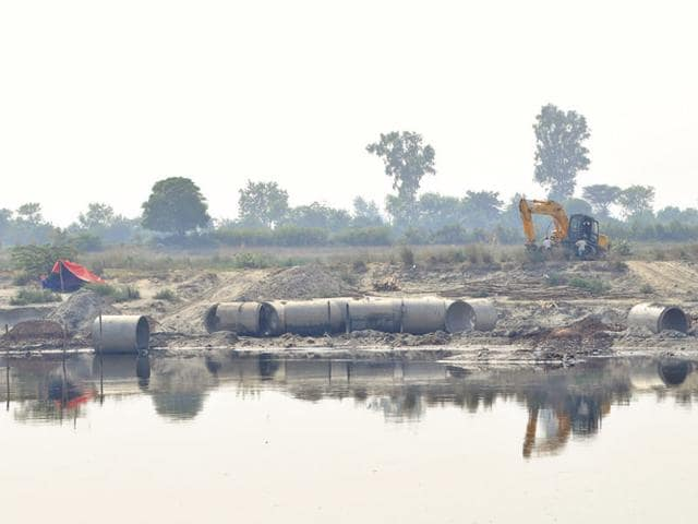 The National Green Tribunal had directed authorities in UP and Haryana to file detailed replies on the issue of sand mining and illegal bridges built over the Yamuna.