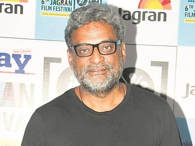 """As 12 film-makers announce plans to return their National Awards, R Balki """"applauds"""" their move; adds that he """"respects the protest""""."""