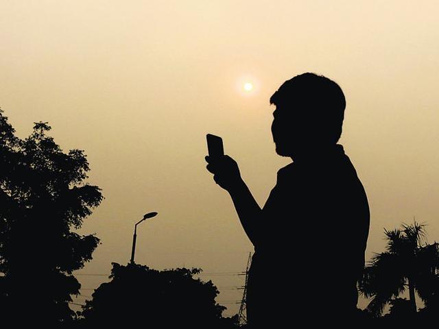 Noida,call drops,mobile towers