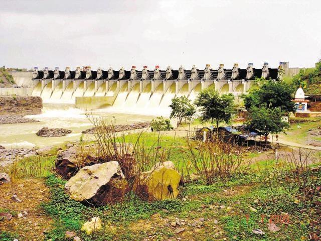 Maheshwar hydel project,National Green Tribunal,MW Corp
