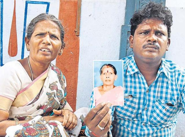 Family members of Munirathinam Kasthuri, the Indian  maid whose hands were chopped off by her Saudi Arabian employer for complaining against poor work conditions.