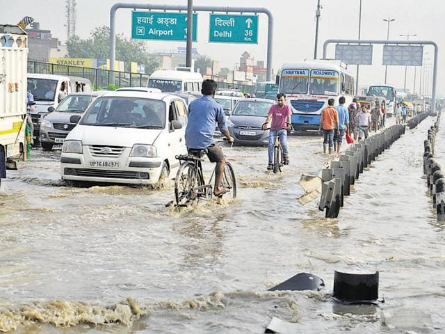 Whenever it rains in Gurgaon, commuters are stranded for hours as Hero Honda Chowk gets flooded. This is because the Badshahpur drain narrows near the junction, hampering the flow.