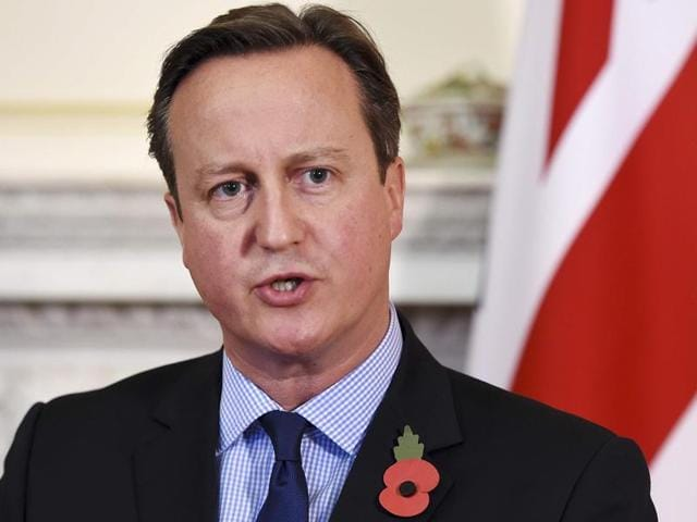Britain's Prime Minister David Cameron (R) speaks during a news conference with Egypt's President Abdel Fattah al-Sisi at Number 10 Downing Street in London, Britain, November 5, 2015. Cameron said on Thursday Britain and Egypt were working closely on last week's Russian plane crash in Sharm alSheikh which killed all 224 onboard.