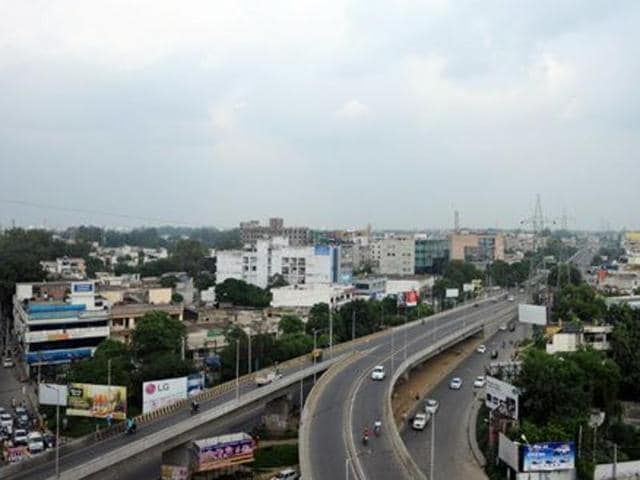 Dehradun has been chosen by the union ministry of urban development as one of the 98 urban areas to be developed into smart cities, though it is yet to clear stage 2 of the national challenge to get into the 20 cities list in the first phase.