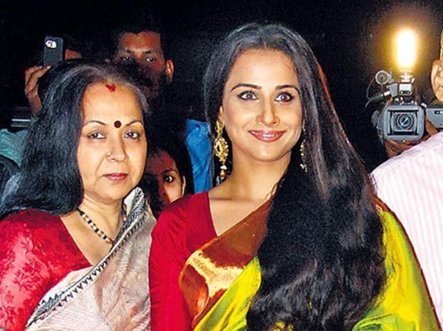 Intolerance,India,Refusal to return Awards
