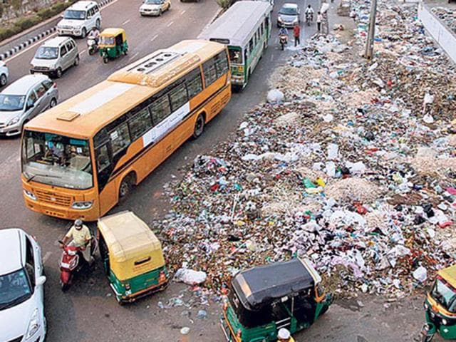 To provide a boost to the clean India initiative, the government said it will impose a Swachh Bharat cess of 0.5% on all services liable for service tax, effective from November 15, 2015.(Arun Sharma/HT File Photo)