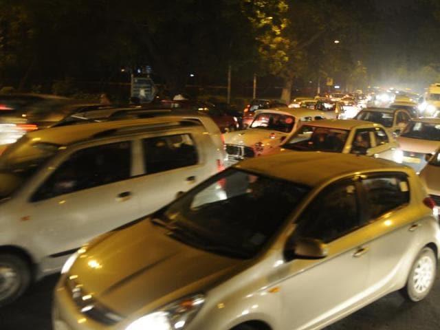 Traffic jam at APJ Abdul Kalam Road in New Delhi.