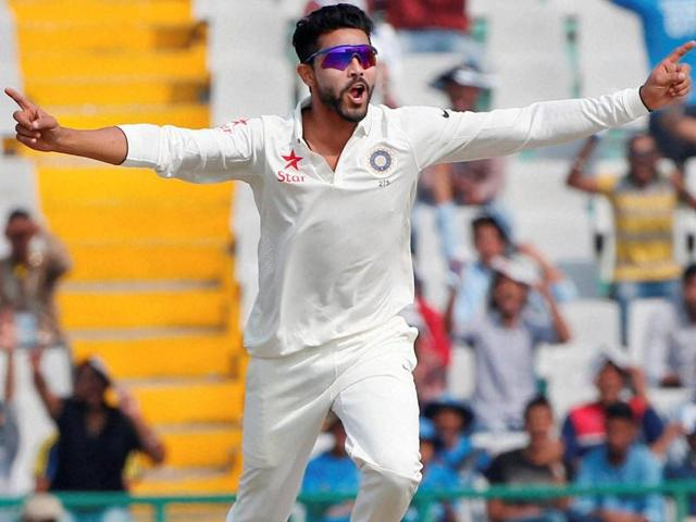India's Ravindra Jadeja celebrates the dismissal of South Africa's Vernon Philander during the third day of the first Test in Mohali on November 7, 2015.