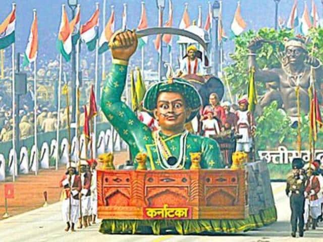 Jnanpith awardee Girish Karnad on Tuesday said 18th century Mysore ruler Tipu Sultan would have enjoyed the same status as of Maratha king Chhatrapathi Shivaji, if he was a Hindu and not a Muslim.