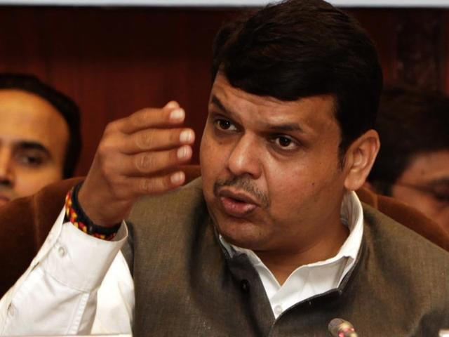 Several Mantralaya officers have been privately saying that Devendra Fadnavis and his colleagues should not measure the entire administration with the same yardstick.