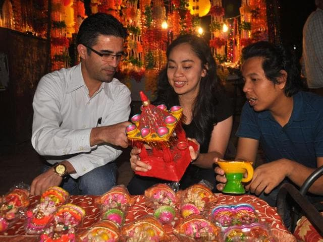 Festive mood,Diwali,foreign students