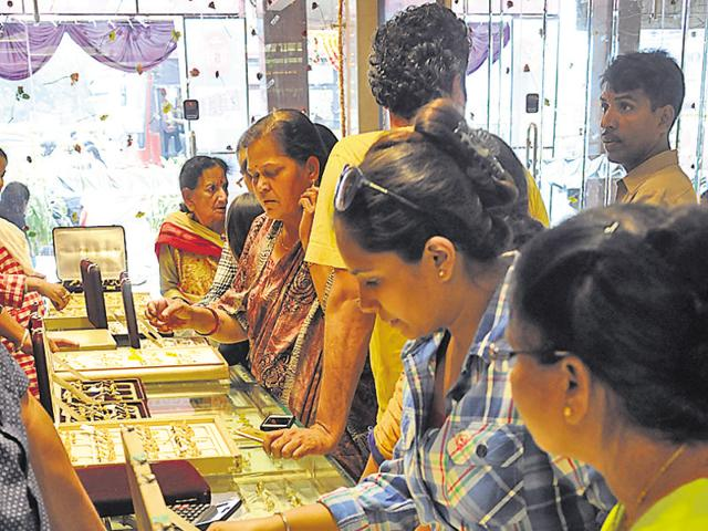 People purchase utensils on Dhanteras in Bhopal.