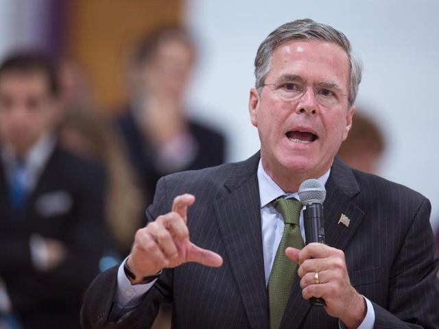 Republican presidential candidate Jeb Bush speaks to guests at La Casa de Esperanza during a campaign stop with Wisconsin Governor Scott Walker on November 9, 2015 in Waukesha, Wisconsin.