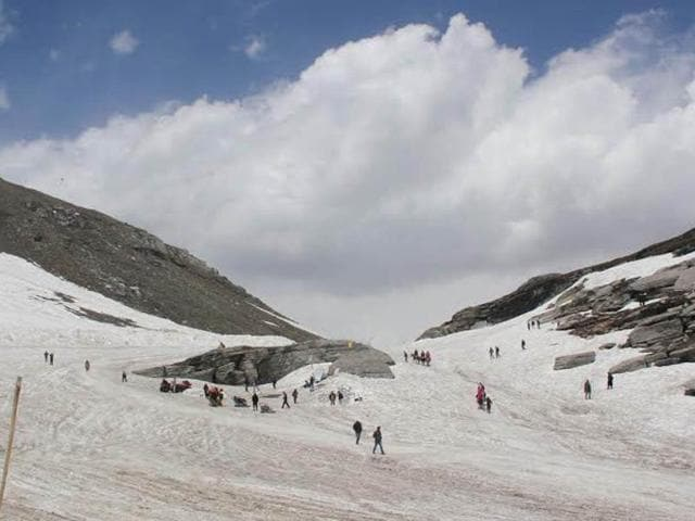 A file photo of Rohtang Pass in Himachal Pradesh.