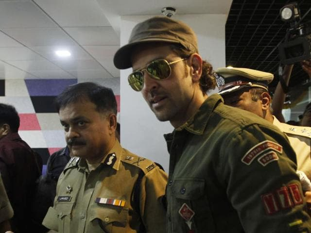 Actor Hrithik Roshan (extreme right) along with police commissioner Ahmad Javed (second from right) at the launch of the helpline and app, at Worli on Tuesday.