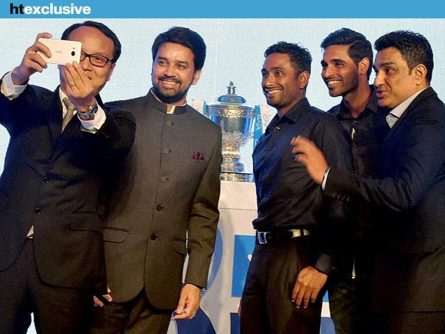 Vivo Mobile India CEO Alex Feng takes a selfie with Secretary BCCI Anurag Thakur, former Indian cricketer Sanjay Manjrekar, Bhuvneshwar Kumar and Ambati Rayudu during IPL sponsorship announcement. (PTI Photo)