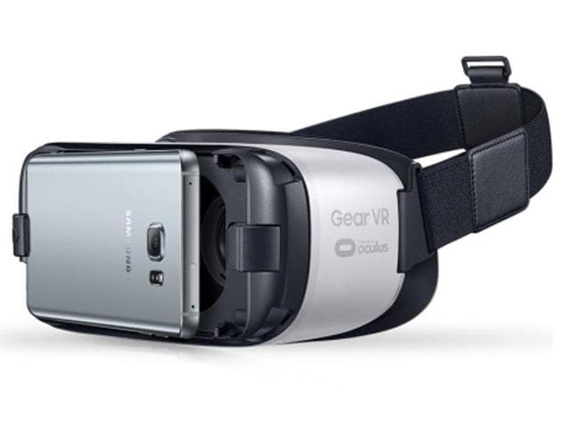 As of November 11, Samsung has started accepting pre-orders for its head-mounted virtual reality device, the Gear VR.