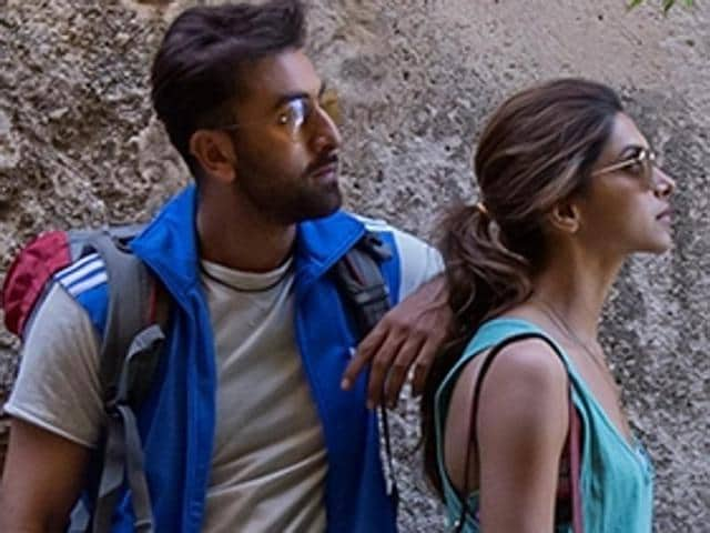 Guess who's fighting with our hero Ranbir Kapoor in Tamasha?