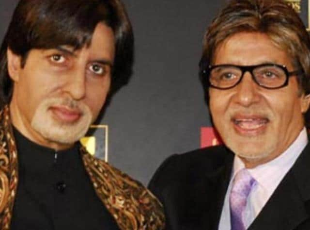 Amitabh Bachchan poses with his wax statue at Madame Tussauds' museum.
