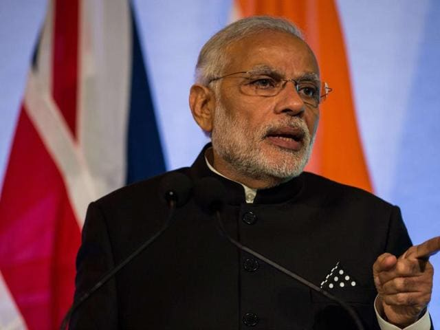 Prime Minister Narendra Modi addresses industry leaders at the Guildhall in London on November 12, 2015.