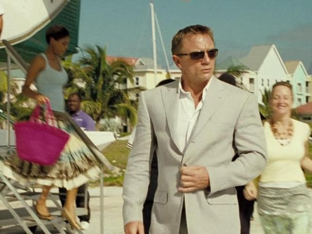 Bond in a classy linen suit in Casino Royale.