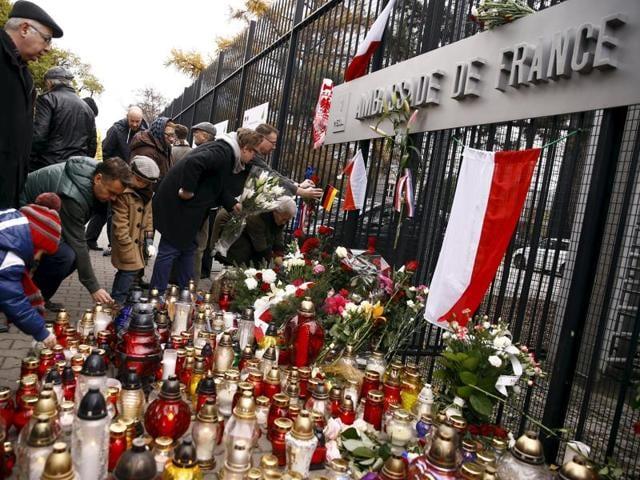 Paris attacks,Poland,Regugees