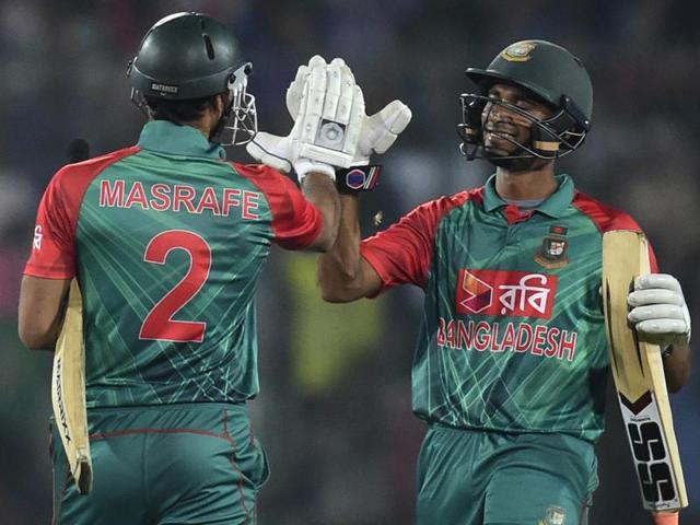 Zimbabwe vs Bangladesh,Malcolm Waller,Graeme Cremer