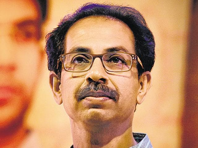 Saamna,Uddhav Thackeray,Devendra Fadnavis