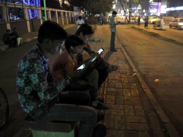 Wi-Fi hotspots,free Wi-Fi service,Wi-Fi zones in Indore