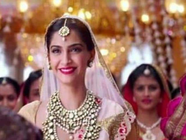 Sonam Kapoor smiles as she watched Salman Khan in Prem Ratan Dhan Payo.