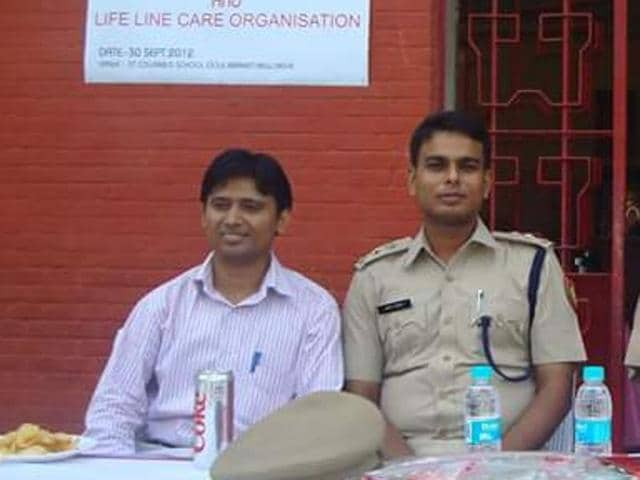 According to police, the deceased Amit Kumar Singh (C) was posted as Assistant Commissioner of Police in south west district.