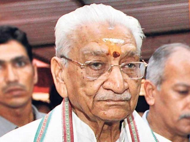 Ashok Singhal dies,VHP leader dies at Gurgaon hospital,Praveen Togadia