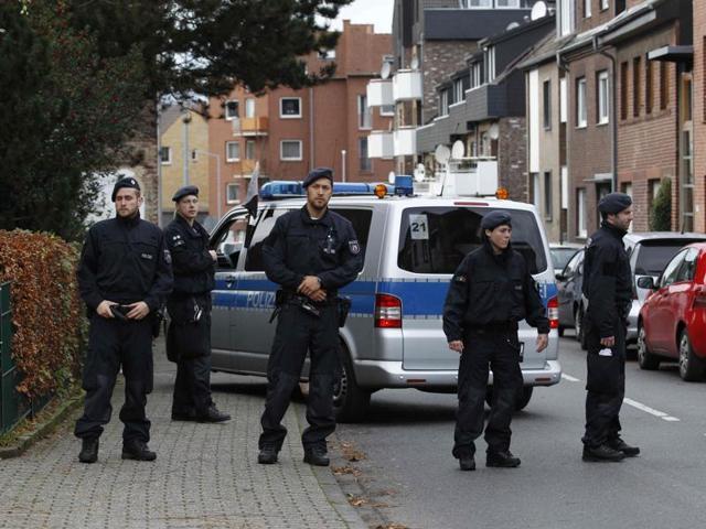 Paris attacks,Paris attacks suspects,German Police