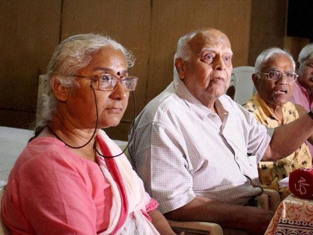 NBA leader Medha Patkar with Justice (Retd.) V D Gyani (second from left) and other members of the Independent People's Tribunal in Bhopal on Tuesday.
