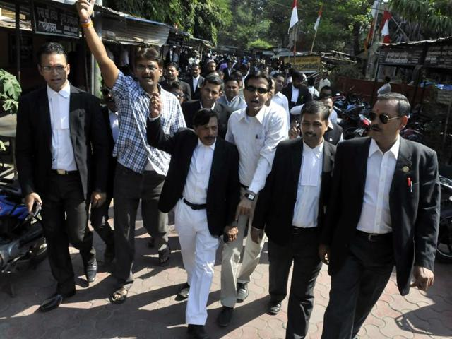 Members of District Bar Association protest murder of  the Mhow lawyer, in Indore on Thursday.
