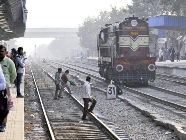 Gurgaon railway station,rennovation,NCR