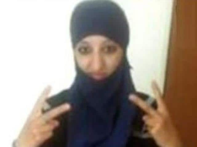 Hasna Ait Boulahcen: The party-girl who became a suicide bomber ...: www.hindustantimes.com/world/hasna-ait-boulahcen-the-party-girl-who...