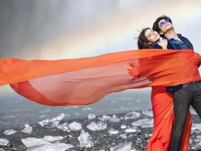 Shah Rukh Khan and Kajol in a still from Rohit Shetty's Dilwale. (YOUTUBE GRAB)